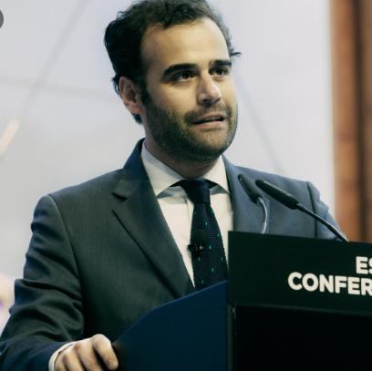 Professor Felipe Pathé Duarte
